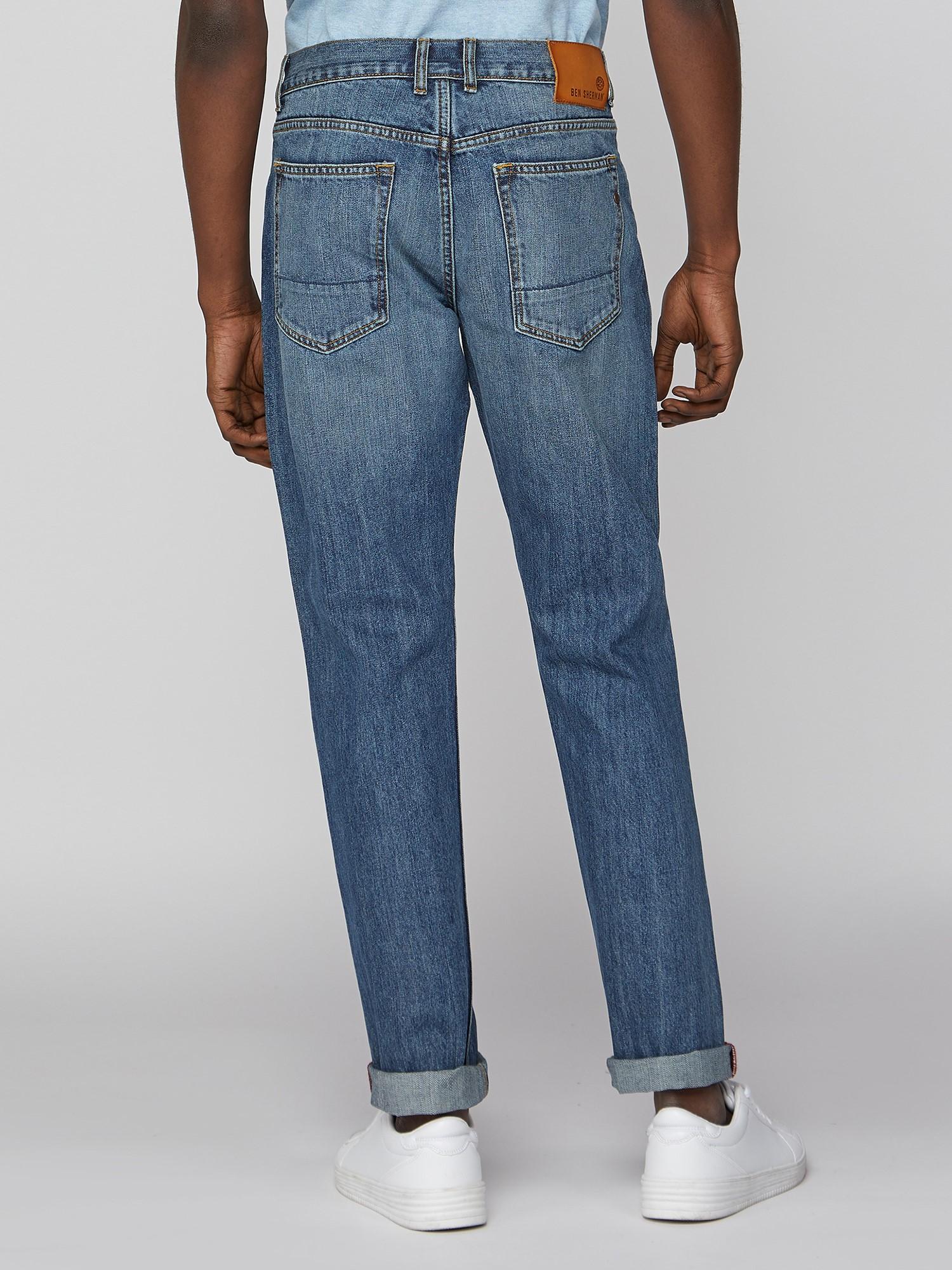 5 Pocket Light Wash Slim Jean